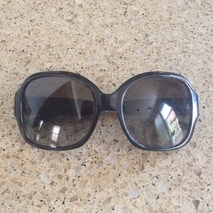 GUC Burberry sunglasses